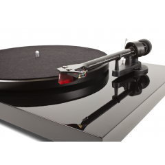 Pro-Ject Debut Carbon Turntable BLACK