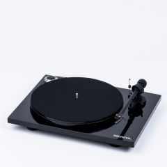 Pro-Ject Essential III Phono Digital Turntable in Black